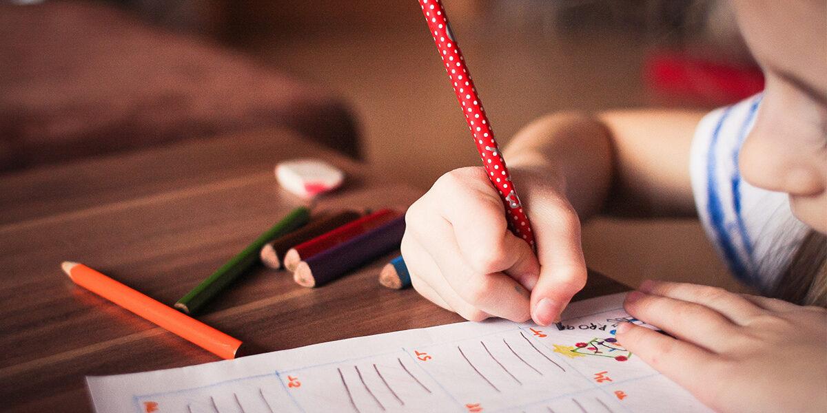 Spese straordinarie per i figli: differenza tra necessarie e non necessarie